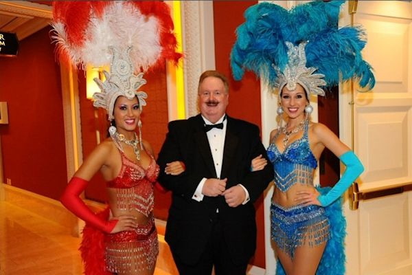 how to become a vegas showgirl